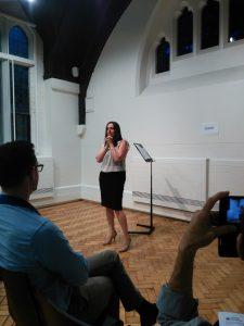 Bruna doing Competent Communicator Speech 2 - Organise Your Speech